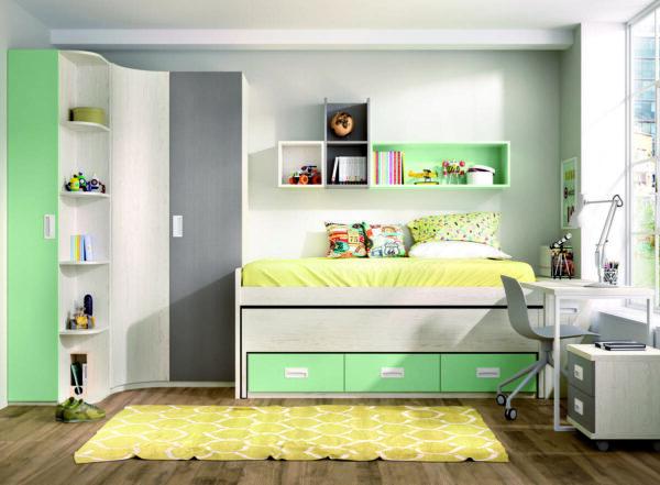 63 – Los más jóvenes del hogar disfrutarán de sus zonas de estudio y descanso, con cama nido lista para cualquier visita, mientras que los mayores disfrutarán del espacio de máxima capacidad y utilidad para mantener el orden en la habitación.