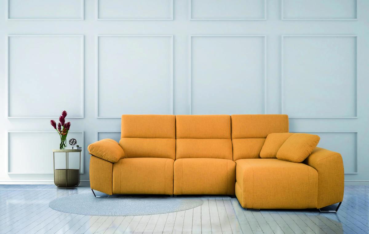 14 – Sofá chaise longue con amplio espacio de guardado en su interior y asientos relax eléctricos, creado con la intención de llevar a tu hogar lo mejor en descanso y funcionalidad. 235 x 165 cm. (3 asientos 58) cm.