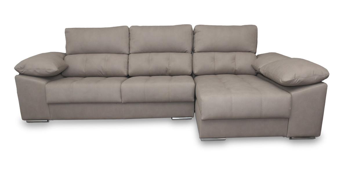 22 – En este sofá encontrarás innumerables horas de descanso gracias a su gran acabado pensado para ofrecer una sentada de gran calidad. 240 x 150 cm.